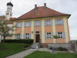 Graf-Hartmann-Straße 31 - Pfarrhaus - 2016-05-03 1